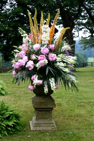 Wedding urn